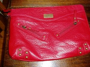 4 New purses; clutch and a valentino leather Kingston Kingston Area image 4