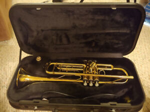 Bb Trumpet with Case - GREAT CONDITION