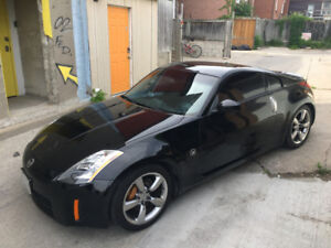 2005 Nissan 350z – 35th Anniversary - 6 spd Manual