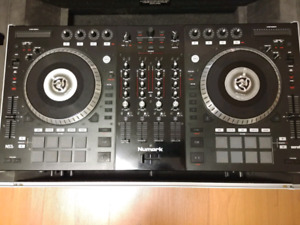 Numark NS7ii Dj Mixer with Flight Case