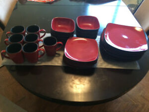 32pc. Corelle Hearthstone Dinnerware set - Chilli Red