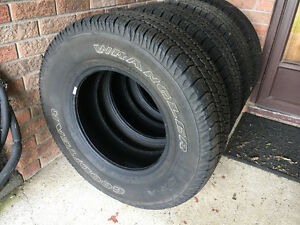 Goodyear Wrangler SR-A M&S 255-75-17 only 1000 Kms