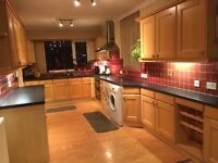 Quality kitchen with integrated appliances in good condition