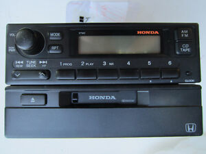 Car Radio, Panasonic, AM/FM (from Honda) West Island Greater Montréal image 1