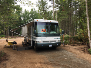 2000 Damon Intruder Motor Home
