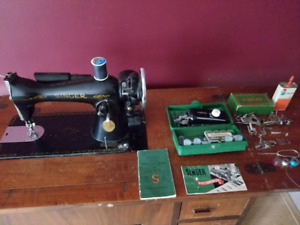 1950s Singer Full Set Fold in Sewing Machine and Desk