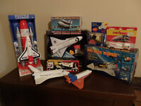 Small collection of SPACE SHUTTLE toys...
