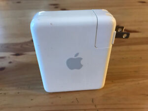 Apple AirPort Express 802.11g (1st Generation)
