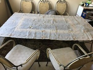 Dining table for sale London Ontario image 1