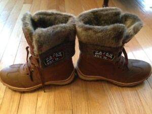 PAJAR BOOTS - WORN ONCE - PRICE NEGOTIABLE - MADE IN CANADA