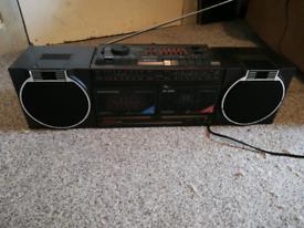 Grinding rr1600 radio - cassette gheto blaster