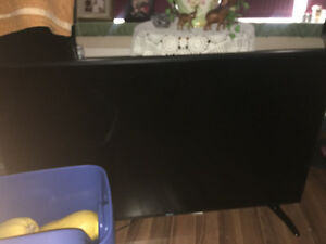 RCA 1080p led tv 52 inch perfect condition