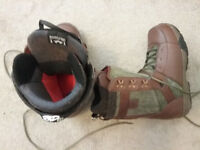 Snowboard Boots Size: US 9.5 - Like New, Very Comfy