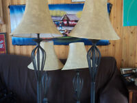 Selling a set of 4 lamps