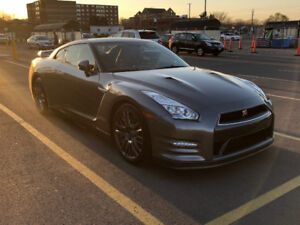 2016 Nissan GT-R Premium Coupe (2 door) (Lease Takeover)