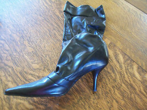 Enzo Angiolini Boots Size 9