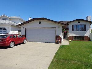 Beautiful fully furnished suite with garage - utilities included Edmonton Edmonton Area image 1