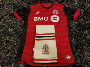 Toronto FC jersey with scarf authentic size large no name