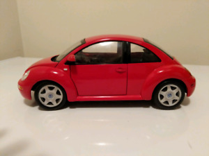 Volkswagen New Beetle scale 1:18 maisto