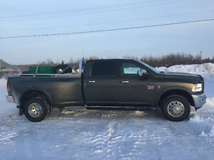 2012 Dodge Dually 3500 Laramie with nav