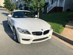 2014 BMW Z4 28i Roadster RWD - Low Km