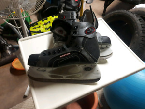Mens size 8 Easton skate $10 (need laces )