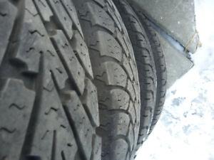 4 pneu hiver Goodyear sur mags 225/65R17 bons pour 2 hivers