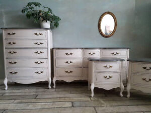 Hosting XMAS? Don't Delay!  Let us Paint YOUR Furniture!!