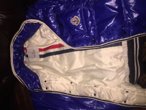 NEW MONCLER JACKET 9/10 CONDITION