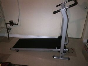 self-propelled treadmill