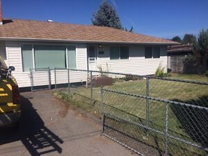 Roommate needed for 3 bed bungalow sept 15 - oct1