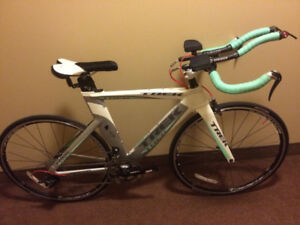 Vélo Route CLM TREK Speed Concept 2.5 2011 TT Road Bike – 1300$