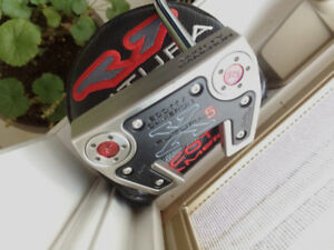 Scotty Cameron Putter Futura - like new condition