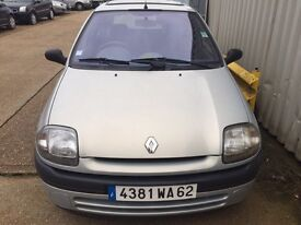 French registered Clio 1.4
