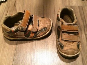 Toddler boys Stride Rite shoes size 7