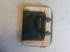 Aldo laptop case/carrier