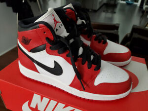 17bb137864e6 Nike Air Jordan 1 Retro OG GS  Chicago  2013 - Women ...