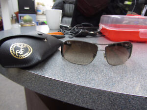 UNISEX Authentic RayBan SUNGLASSES RB 3320,STILL MINT.