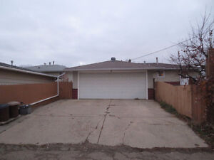 Double Garage Available Aug 1 near Downtown, Whyte