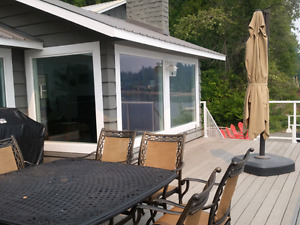 Beachfront home pet friendly with dock and bouy in Shuswap Lake