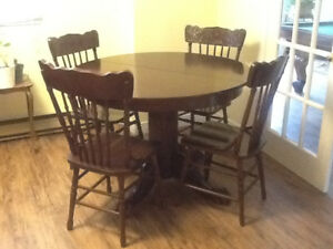 5 pcs. Set oak table and 4 chairs