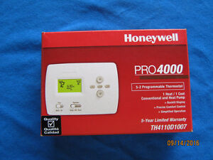Honeywell Pro4000 Programmable Thermostat (NEW)