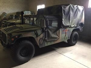 1993 HUMMER H1 Military 2 Door Pick up