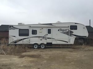 2009 Keystone Cougar 311 RLS Fifth Wheel Camper