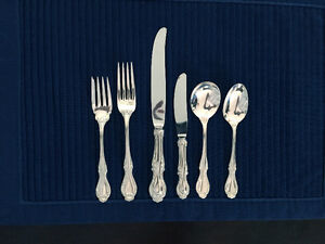 Northumbria Cello Sterling Silver 57-piece flatware. Mint.