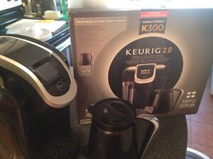 KEURIG 2.0 K300 like new! Used exactly 9 times