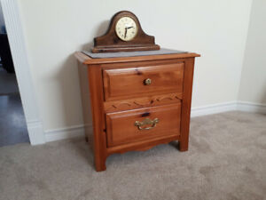 Night Table in excellent condition