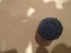4 Pcs Vintage Screw In Battery Caps. Blue FILL TO TUBE BOTTOM Sarnia Sarnia Area image 5