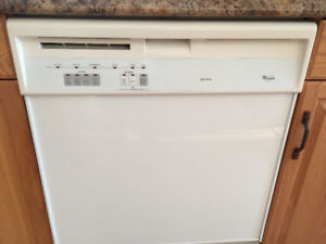 Whirlpool Dishwasher - White - Excellent Condition