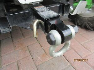 Reciever Hitch  D  Ring with 3/4 inch Shackle for 2 in Reciever